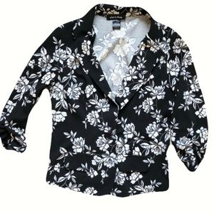 Alex & Olivia Black & White Floral blazer Medium